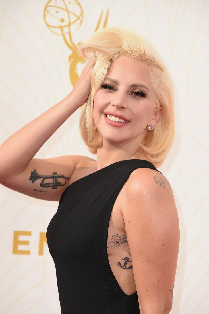 Pin for Later: Lady Gaga Était Époustouflante aux Emmy Awards