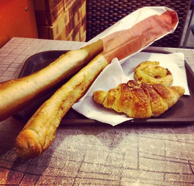 I love breakfast ,Bonjour,  good morning, brioche, colazione,Paris, baguette