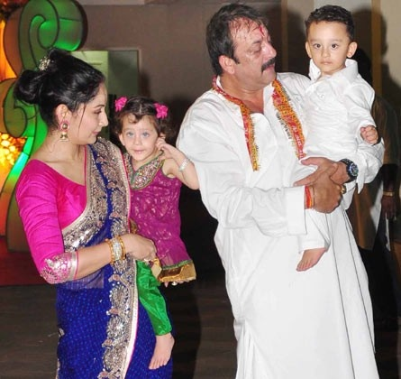 Sanjay and Manyata Dutt with their twins Shahraan and Iqra.