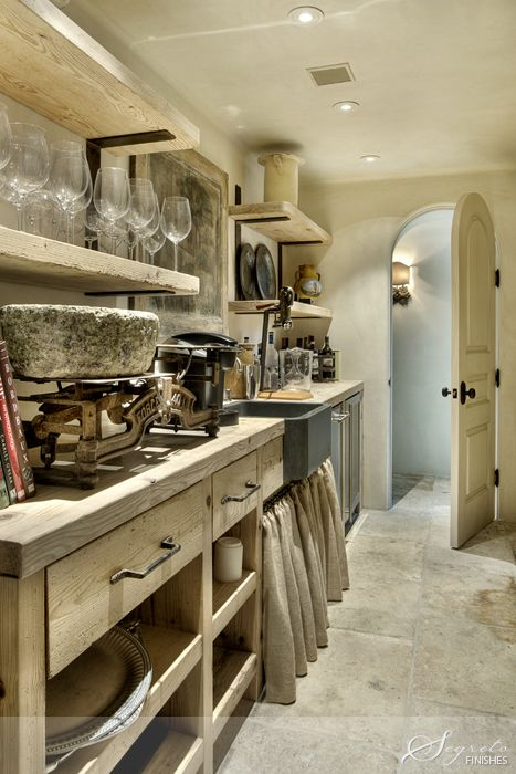 wow~ rustic ~ this is a 'wet bar'/butler's pantry with a whole lot of character ❀ 'eleanor cummings design ~ 'murphy mears architects' & builder 'allan edwards' ❀ ~ ◊ photo from 'segreto' via 'veranda magazine'