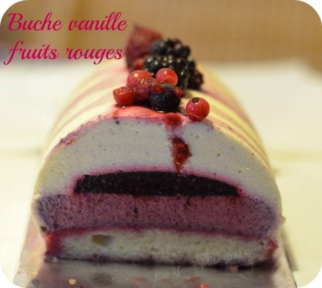 Bûche vanille fruits rouges