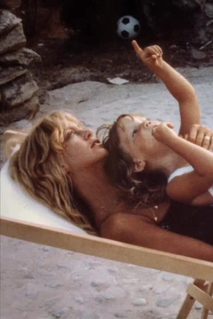 How Goldie Hawn Explained God To 4-Year-Old Kate Hudson