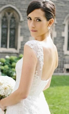 Pronovias Ofira  6: buy this dress for a fraction of the salon price on PreOwnedWeddingDresses.com