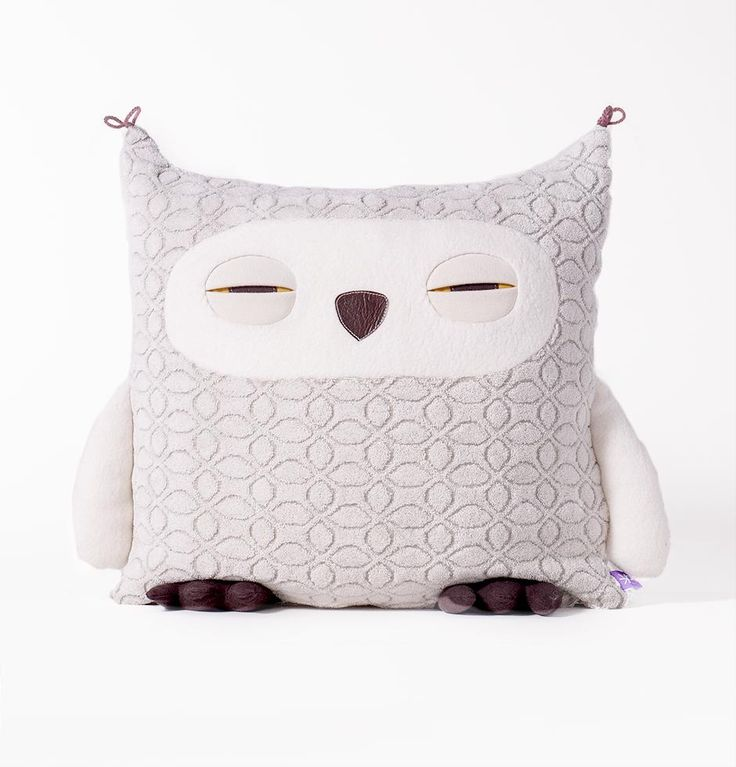 In addition to being a classic Owl has been thought developed woven filled sewn inspected brushed labeled packaged and loved in Montreal Quebec Canada Details TERRY 80% organic cotton 20% recycled polyester made in Montreal – comes with an inside pillow 100% polyester Size 17 x17 Wash WASHING