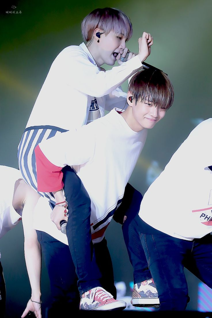 BTS SG V | that rare moment when the daegu brothers come together I just end up in tears