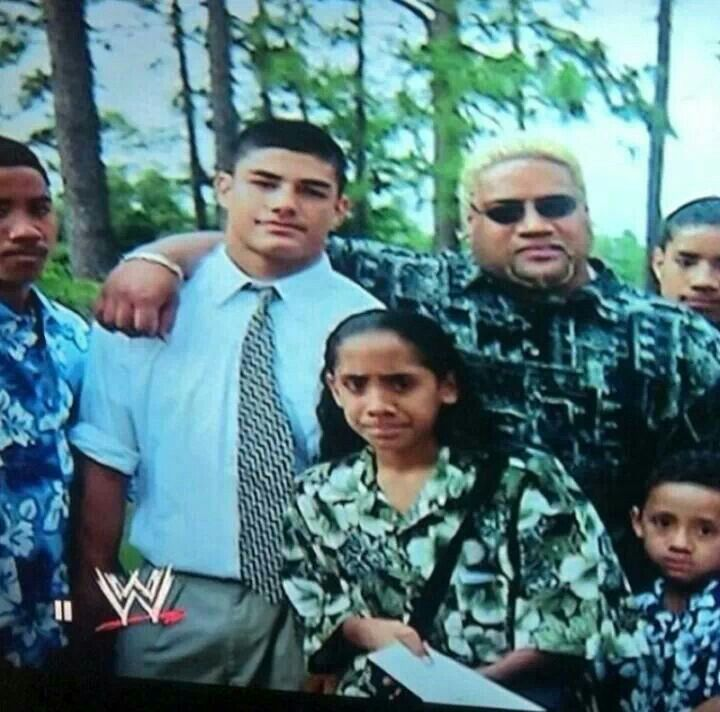 Tb pic of Jey, Roman, Uncle Rikishi and Jimmy Uso