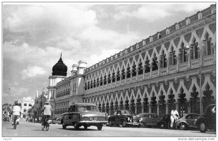 They used to call this street Mountbatten Road facing the old Padang! Malaysians and KLites know what this road is now dont we?. Its right in front of Dataran Merdeka!