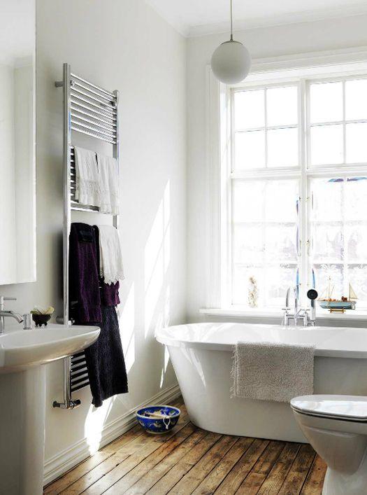 ..Bathroom Design, Bathroom Interior, Simple Bathroom, Modern Bathroom, White Bathroom, Bathroom Ideas, Bathroom Wood Floors, Towels Warmers, Bathroom Wooden Floors