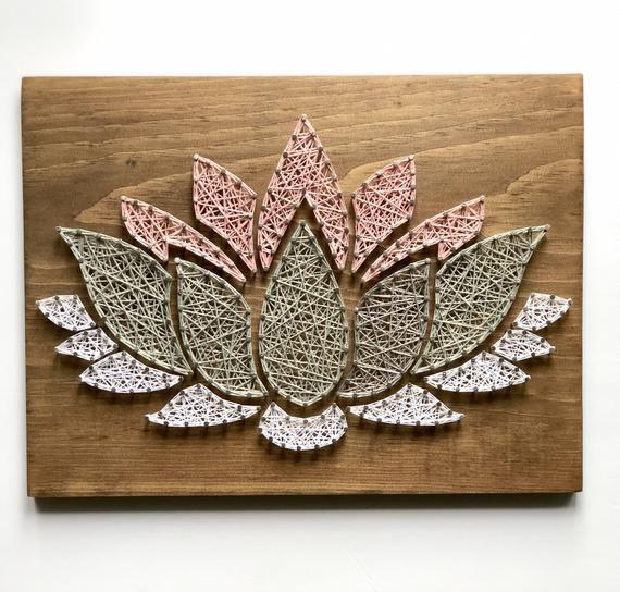 Yoga String Kunst, String Kunst, Lotus Blume String Kunst, Lotus Blumendekor, String Kunst Blume, Yoga Studio Dekor, Yoga Lehrer Geschenk   – Basteln
