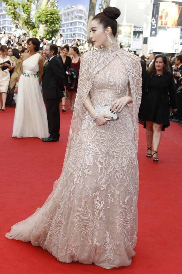 Fan Bing Bing looks like a queen in this Elie Saab ensemble