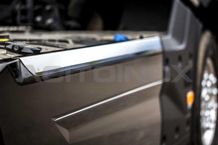 Coppia copricarena in acciaio inox super mirror (aisi 304) per Renault Trucks T. Il kit comprende due pezzi (lato destro e sinistro) e per il montaggio si consiglia l'utilizzo di rivetti e sigillante.