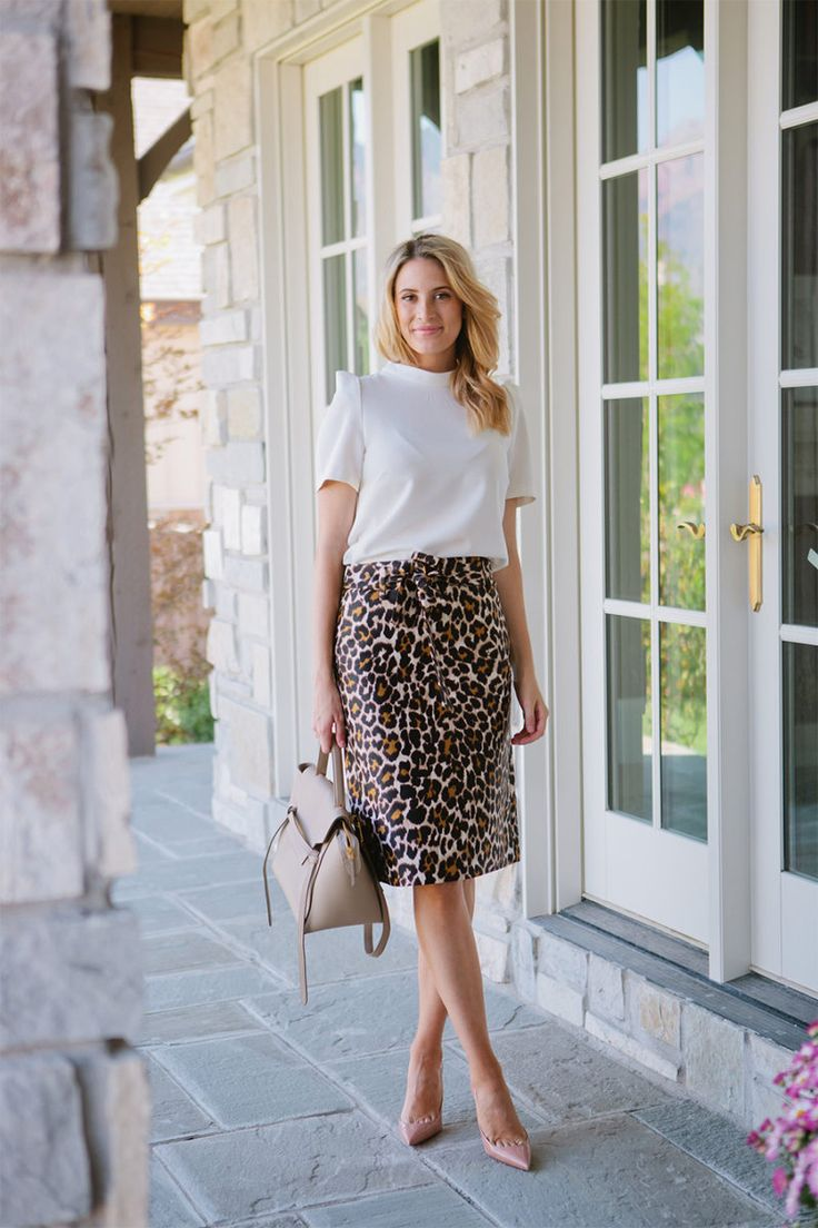 My outfit details:Rachel Parcell Top, J.Crew Leopard Print Skirt, Louboutin Pumps, Celine Bag (similar here & here) When I found this skirt, I knew I needed it! I love leopard print and the …