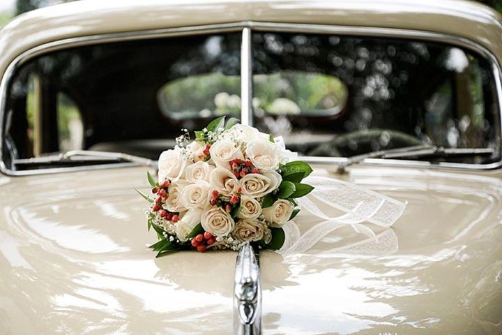 Decoración auto de Dos Puntos Estudio | www.matrimonio.com.co