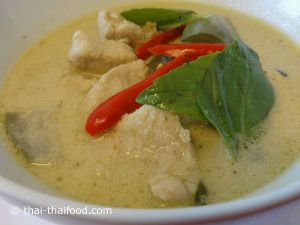 Grünes Thai Curry angerichtet