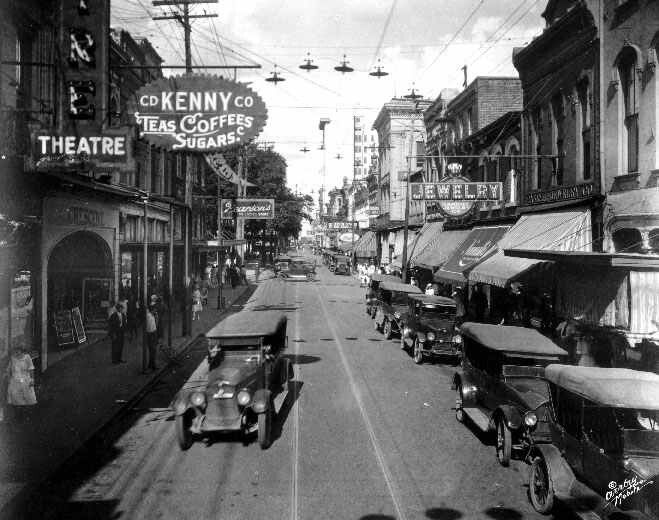 Mobile Al Dauphin Street Once The City S Retail Center In The Roaring Twenties Is Now Its Entertainment Mecca Time Pictures Photo Mobile Alabama