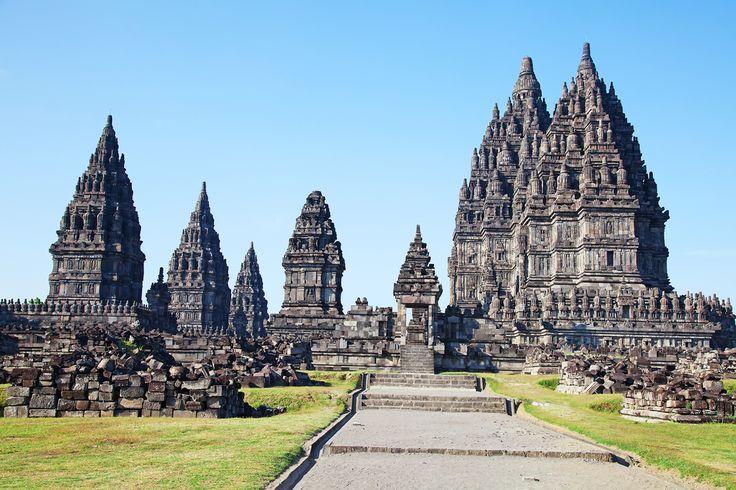 Prambanan im Indonesien Reiseführer http://www.abenteurer.net/1831-indonesien-reisefuehrer/