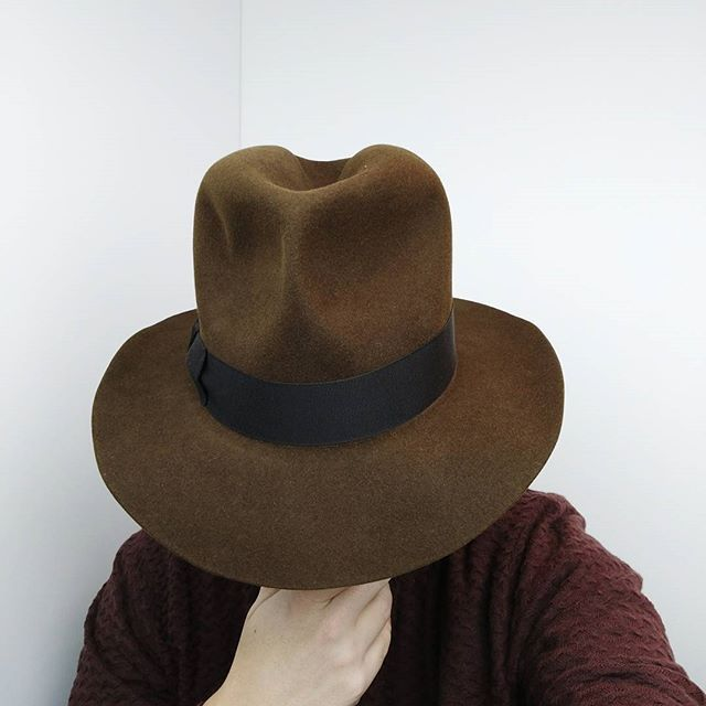 If you just sit down and think about it, it might just come to you.  .  .  .  .  .  #hufvud #fedora #custommade #artist #musician #mexico #california #london #germanyfashion #vintagehats #hattar #hats #dappermen #dapperstyle #western #weekendvibes #sweden #madeinsweden #indianajones #artfromtheheart #homburg #trilby #panamahat #sundayvibes