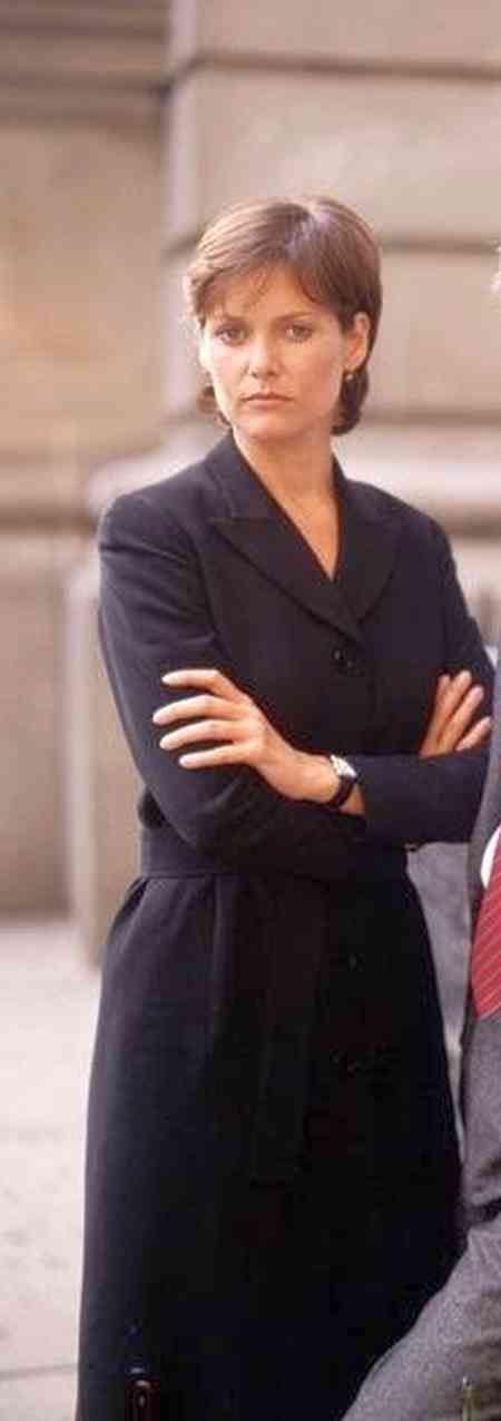 Carey Lowell (ADA Jamie Ross) on Law & Order