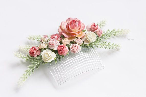 Tender comb with roses and lavender in shabby-chic style. - Jewelry is 100% handmade - Great choice to complement wedding or evening hairstyle or to