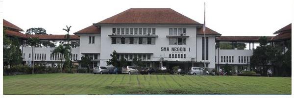 SMA 1 Semarang ( Senior High School 1 Semarang)