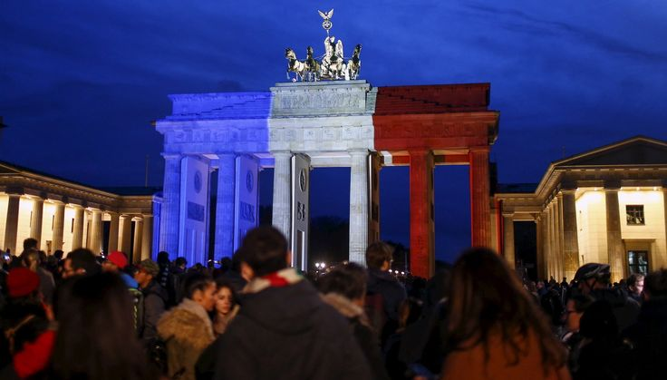 PHOTOS. En signe de solidarité après les attentats de Paris, le monde entier devient bleu, blanc et rouge