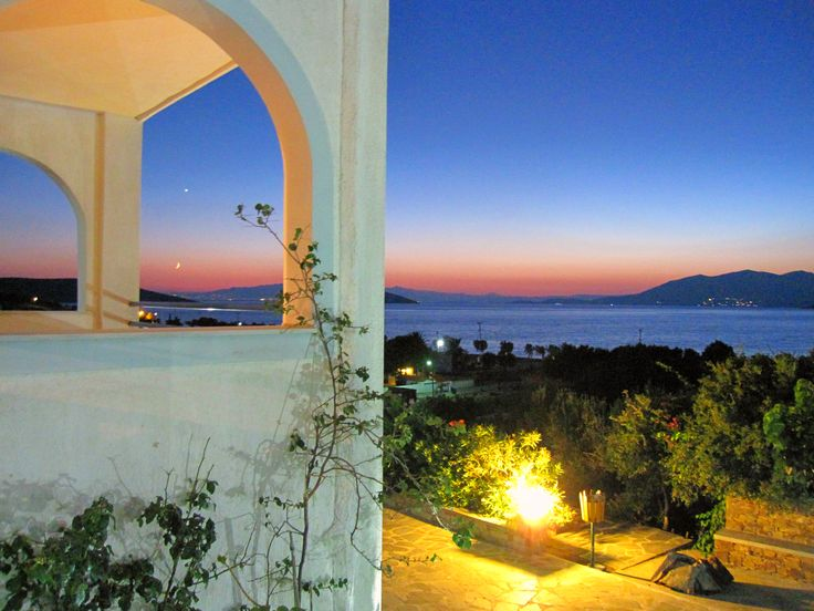 Waiting the night... #alykeshotel #alykes #alykeshotel #marmari #evia #relax #vacations #greece #μαρμάρι #αλυκες #summer