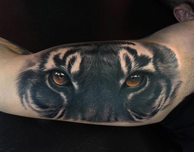 Hyper-Realistic Tiger Tattoo by Jumilla Olivares - TATTOOBLEND