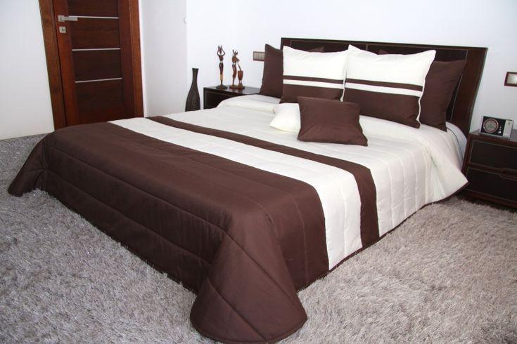 Elegancka narzuta na łóżko w kolorze czekoladowo ecru w pasy