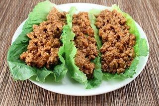 ---Ground Turkey Sloppy Joes--- 1.5 lbs of ground turkey  1 cup of beef broth  1/2 cup sugar free ketchup  2 garlic cloves, minced  2 Tbsp of worchestershire sauce  2 Tbsp of sugar substitute (I used Swerve)  1.5 Tbsp of red wine vinegar  Black pepper, to taste