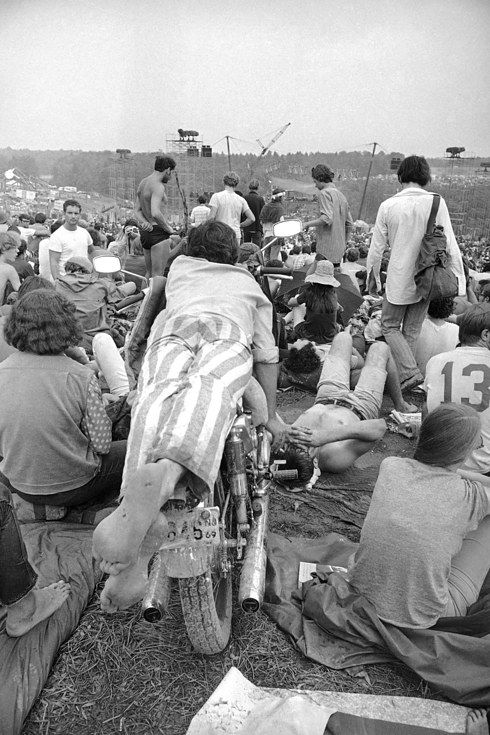 Woodstock Police Searching For A Missing 15 Year Old Girl: 686 Best Images About The Crowd At Woodstock 1969 On