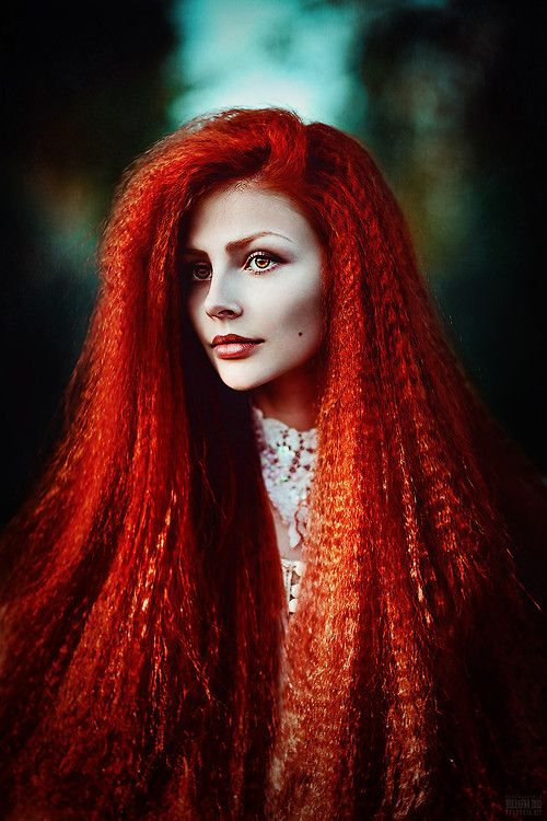 svetlana belyaeva - intense Red crimped hair