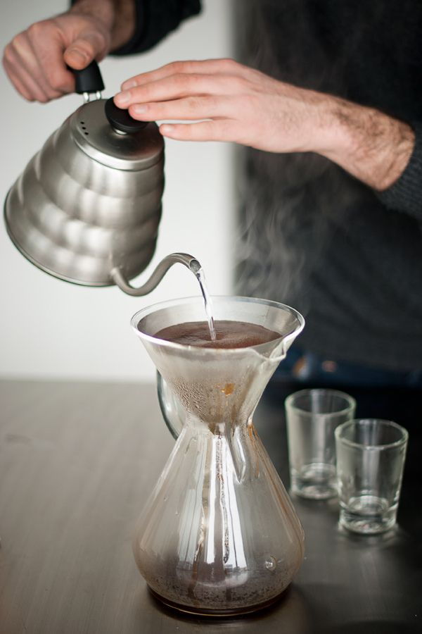 Coffee Maker That Doesnot Drip When Pouring : 47 best images about Drip coffee on Pinterest Bottle, Cold drip coffee maker and Vietnam