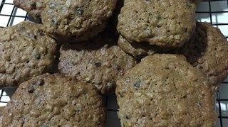 These cookies feature brewers' yeast, wheat germ, flax seed, and whole oats to help support milk production for lactating mothers.