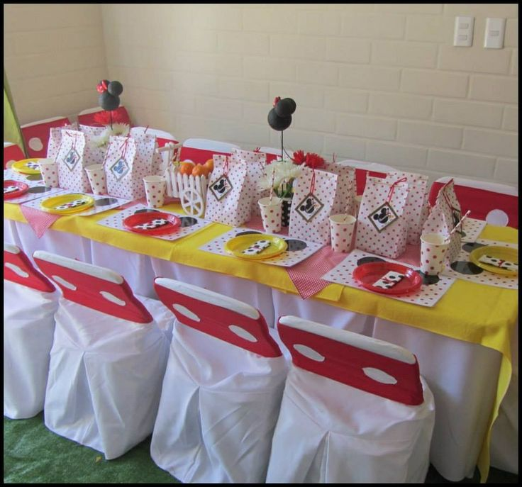 Mesa celebración infantil mickey