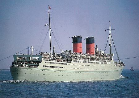 Cundard Lines second RMS Mauritania (1938) painted in cruising colours.
