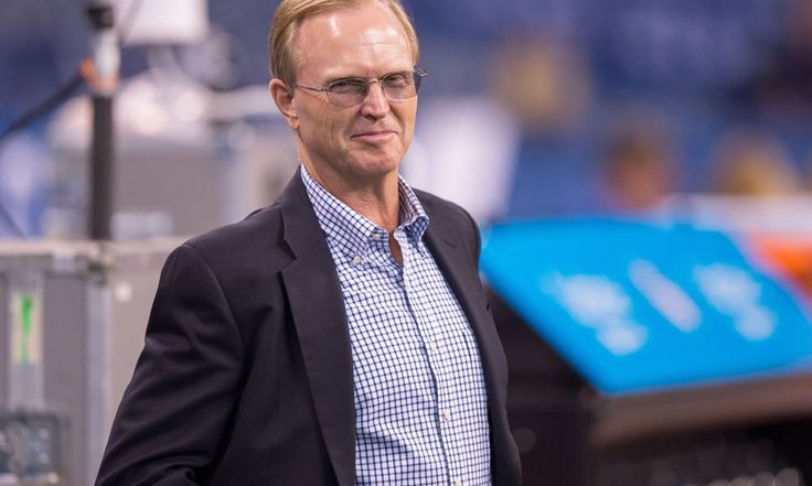 "John Mara says signing Colin Kaepernick would cause backlash = New York Giants co-owner John Mara says that signing free-agent quarterback Colin Kaepernick would lead to a lot of fan backlash, according to Jenny Vrentas of The Monday Morning Quarterback. ""All my years being in the league, I...."
