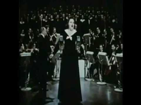 Kate Smith Introduces God Bless America :: Best Quality-wouldn't it be great if we could pass this around the country when we have a President who doesn't salute the flag, honor the pledge of allegiance or our soldiers?