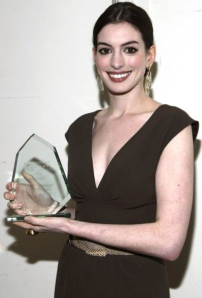 Anne Hathaway Photo - Human Rights Campaign's Annual Gala - Show