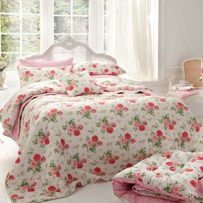 Antique Rose Bouquet Bedspread