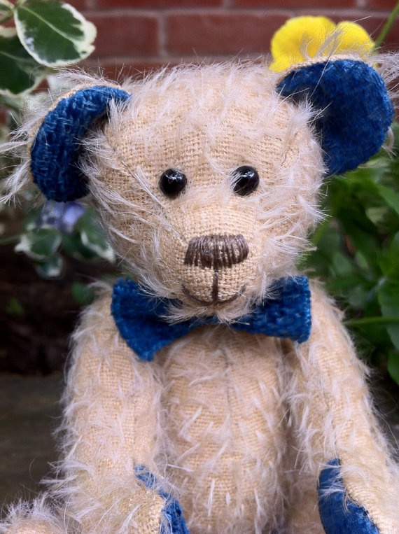 OSCAR ooak hand stitched mohair bear by jabakat on Etsy, £50.00