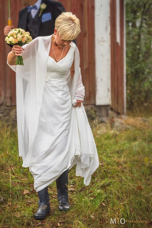 Hunter on a rainy wedding day :)