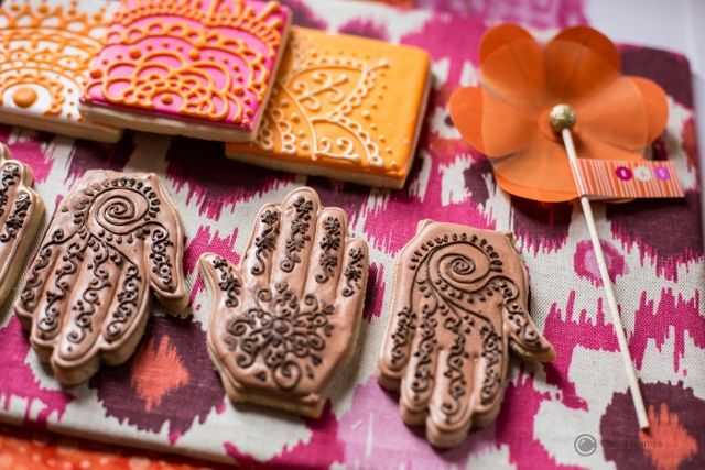 Henna designed cookie wedding favours
