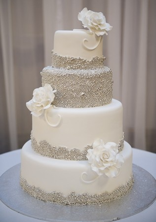 Cake Decorating In Oakleigh : Sparkly wedding cake Wedding Pinterest Sparkly ...