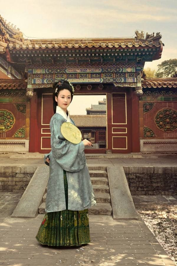 A lady in Chinese MIng Dynasty