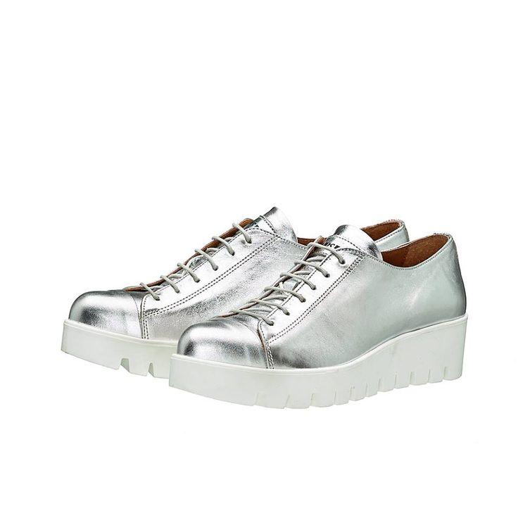 MARGI !! Μοντέρνα sneakers σε ασημί μεταλλική απόχρωση!!