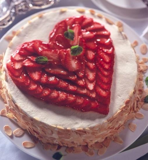 Srce od jagoda torta