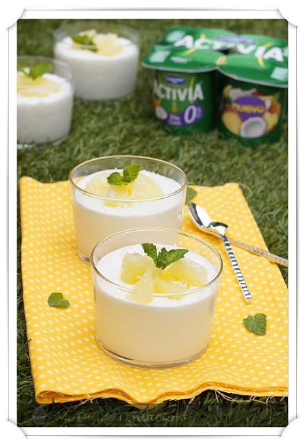 Mousse de yogur con piña y coco