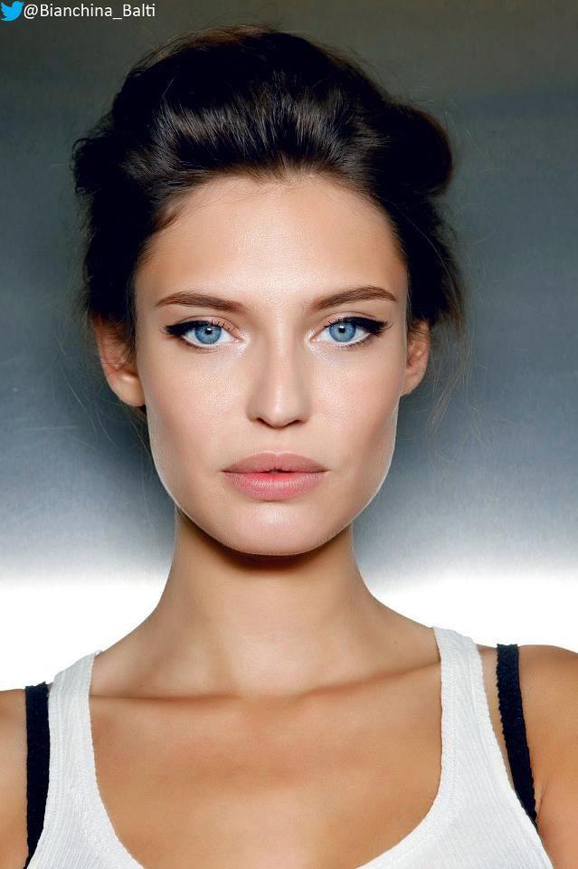 Bianca Balti famous Cat Eye
