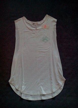 Kupuj mé předměty na #vinted http://www.vinted.cz/damske-obleceni/topy-bez-rukavu/17203396-bile-tilko-pink-s-potiskem-v-mint-barve