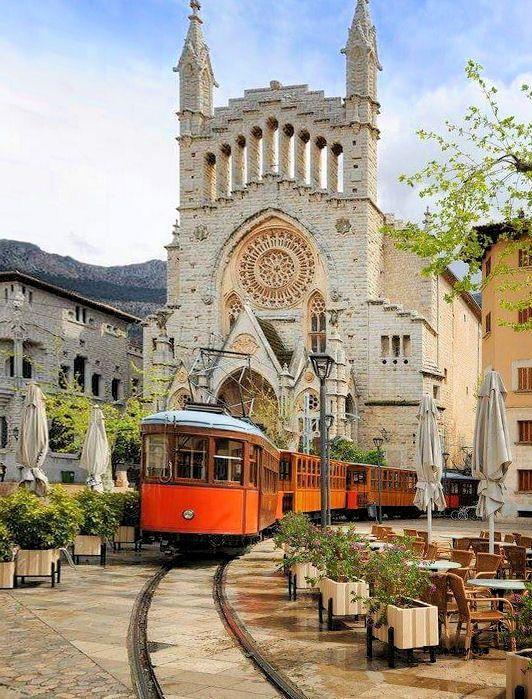 Sóller, Mallorca, España                                                                                                                                                                                 Más